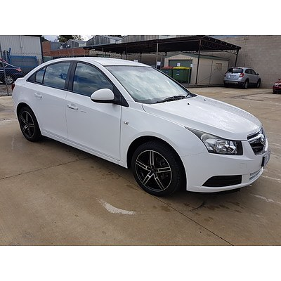 10/2009 Holden Cruze CD JG 4d Sedan White 1.8L