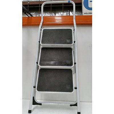 Geelong Ladders Three Tier Step Ladder