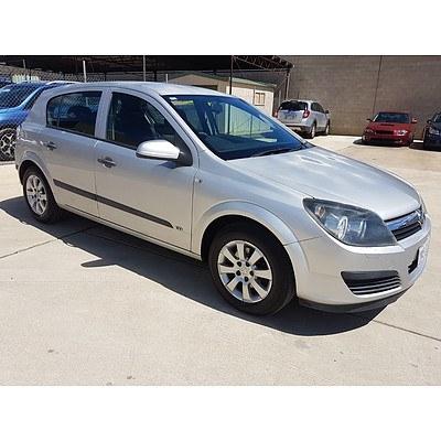 10/2006 Holden Astra CD AH MY06.5 5d Hatchback Silver 1.8L