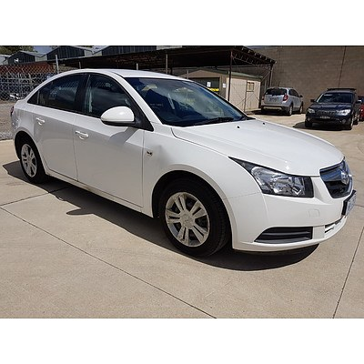 12/2009 Holden Cruze CD JG 4d Sedan White 1.8L