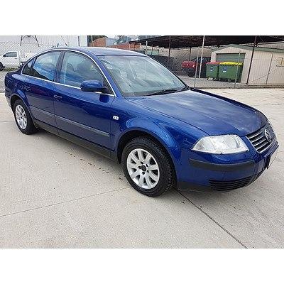 10/2001 Volkswagen Passat 1.8 20V Turbo 3B 4d Sedan Blue 1.8L