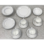 24 Piece Royal Doulton Carnation Micro Dinner Service
