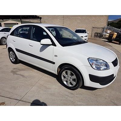7/2009 Kia Rio LX JB 5d Hatchback White 1.4L
