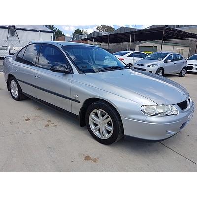 10/2000 Holden Commodore Executive VX 4d Sedan Silver 3.8L