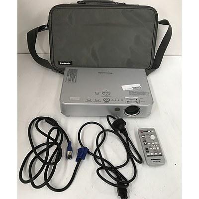 Panasonic PT-LB50NTEA XGA 3LCD Projector