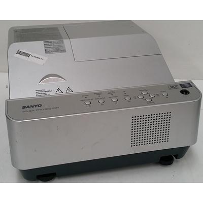 Sanyo DWL2500 WXGA Projector