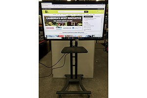 Samsung SyncMaster 52 Inch Flat Panel LCD Display On Mobile Display Mount
