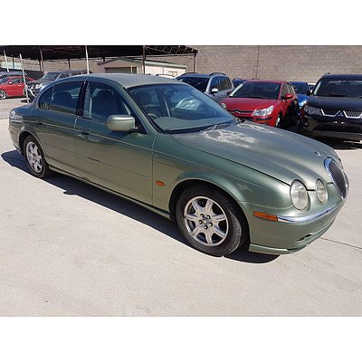 6/1999 Jaguar S Type V6  4d Sedan Green 3.0L