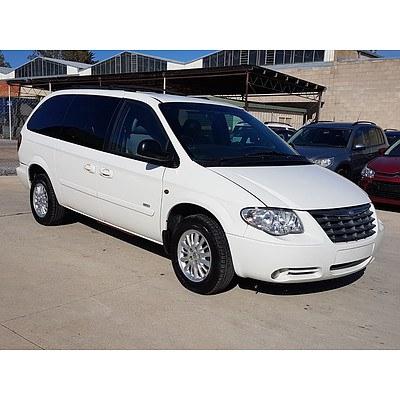 8/2007 Chrysler Voyager LX 4d Wagon White 3.3L
