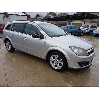 2/2007 Holden Astra CDX AH MY07 4d Wagon White 1.8L