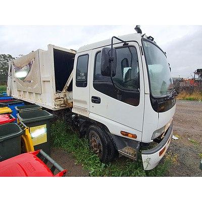 10/1997 Isuzu FRR 500 LWB Garbage Compactor White 8.2L