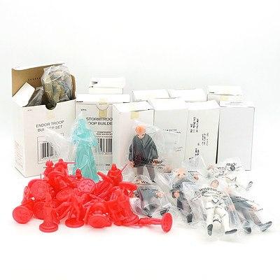 Various Kenner Builder Sets and Boxed Figures, and Loose Star Wars Saga Hologram Figures