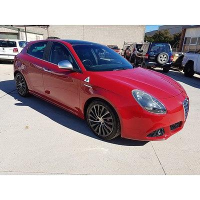 8/2011 Alfa Romeo Giulietta QV 1750 TBi  5d Hatchback Red146085 1.7L