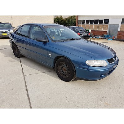 1/2002 Holden Commodore Acclaim VXII 4d Sedan Blue 3.8L