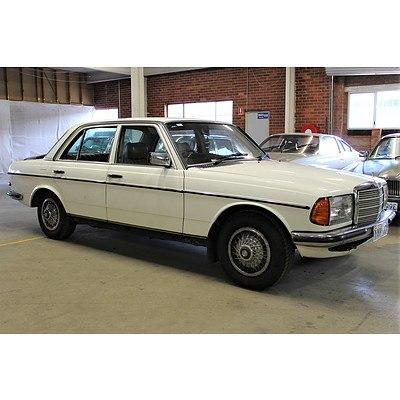 10/1982 Mercedes-Benz 280E W123 4d Sedan White 2.5L