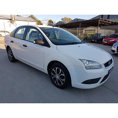 9/2007 Ford Focus CL LS 4d Sedan White 2.0L