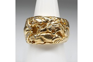 18ct Yellow Gold Ring with Four Engraved Panthers and Fifteen Round Brilliant Cut Diamonds, 11.75g