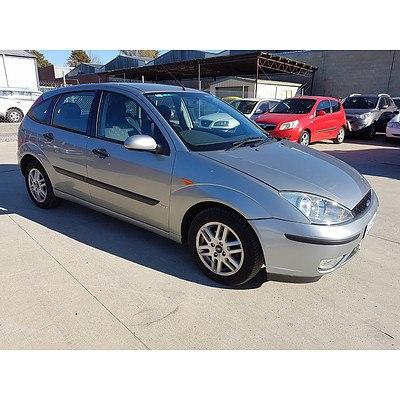 4/2004 Ford Focus SR LR 5d Hatchback Silver 2.0L