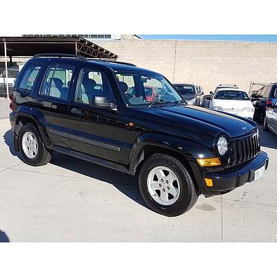 8/2007 Jeep Cherokee Sport (4x4) KJ MY05 UPGRADE 4d Wagon Black 3.7L