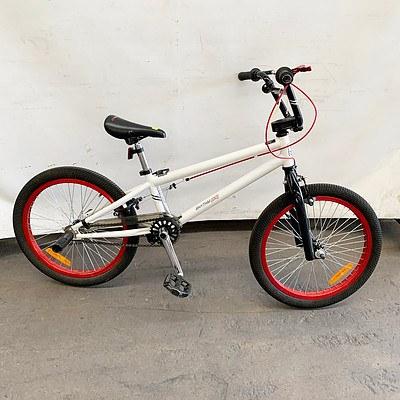 Rhythm 00 BMX Bike