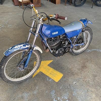 1975 Yamaha TY250 Motor Bike