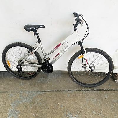Diamond Back Outlook DX 18 Speed Mountain Bike