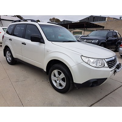 8/2010 Subaru Forester X Luxury MY10 4d Wagon White 2.5L