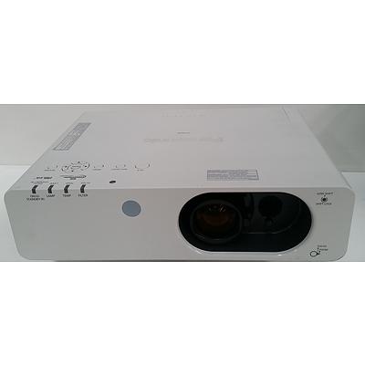 Panasonic PT-FW430EA LCD Projector