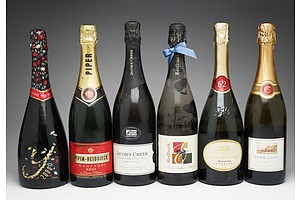 Case of Six 750ml Bottles of Sparkling Wine and Champagne Including Jacob's Creekm Redbank, Sunny Cliff and More