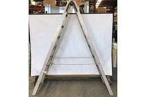 Mote Seven Rung A-Frame Ladder