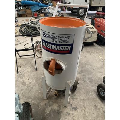 Blastmaster S Series Abrasive Blasting Machine