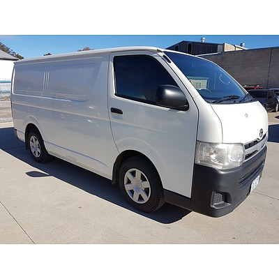 1/2013 Toyota Hiace LWB KDH201R MY12 UPGRADE 4d Van White 3.0L