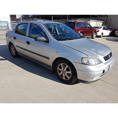 4/2005 Holden Astra Classic Equipe TS MY05 4d Sedan Silver 1.8L