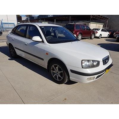 4/2001 Hyundai Elantra GLS XD 4d Sedan White 2.0L