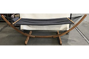 Hammock In Larch Wooden Frame