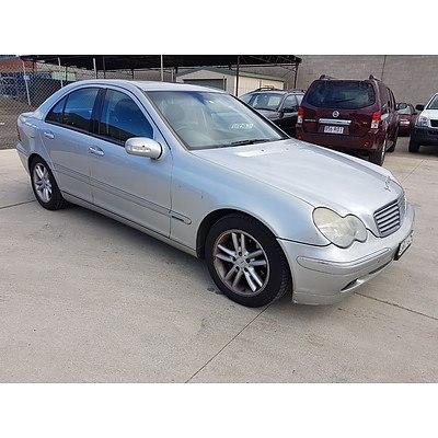 12/2001 Mercedes-Benz C200 Kompressor Elegance  4d Sedan Silver 2.0L
