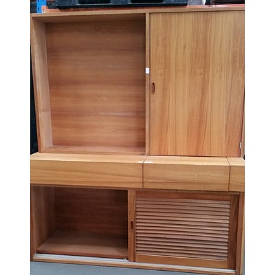 Credenza With Basin and Hutch