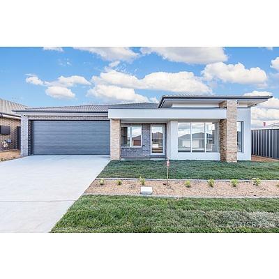 42 McGowan Crescent, Googong NSW 2620