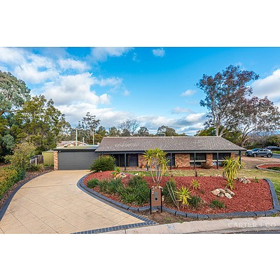 2 Rickard Place, Gowrie ACT 2904