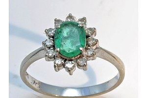 14ct White Gold Natural Emerald & Diamond Ring