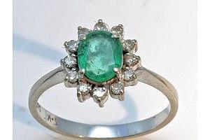 14ct White Gold Natural Emerald & Diamond Ring