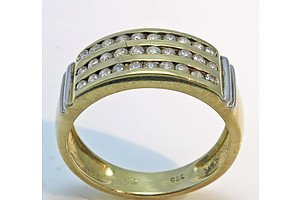 9ct Gold 3 Channel Diamond Ring