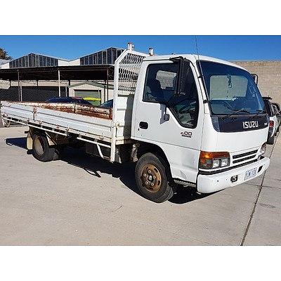 02/1997 Isuzu NPR200 Tray Truck White 4.3L