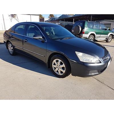 5/2004 Honda Accord V6 40 4d Sedan Grey 3.0L