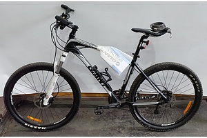 Giant Talon 27 Speed Mountain Bike With Helmet and Accessories