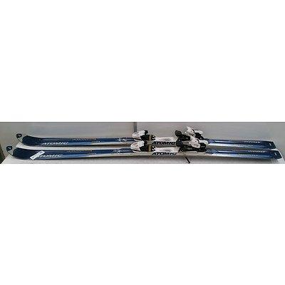 Atomic Betacarv 180cm Skis