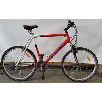Raleigh 4000 21 Speed Mountain Bike