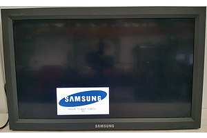 Samsung Syncmaster 320MX 32 Inch LCD Display Screen