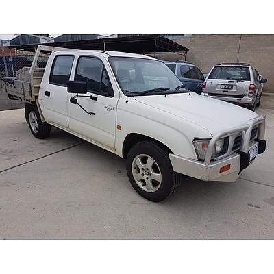 10/1998 Toyota Hilux  RZN149R C/chas White 2.7L