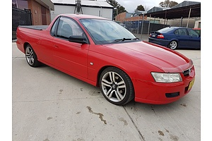 2/2006 Holden Commodore  VZ MY06 Utility Red 3.6L